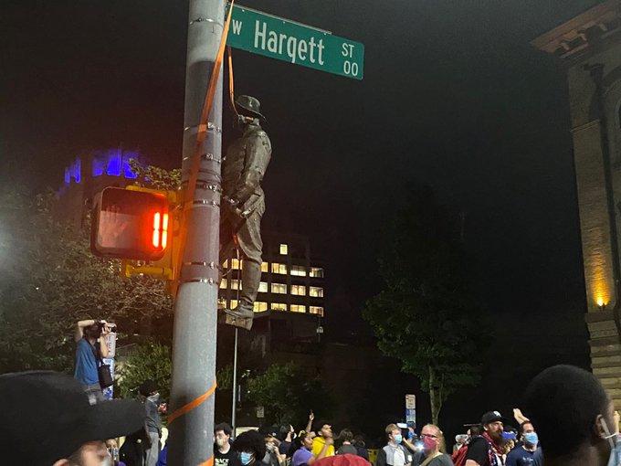 Raliegh Confederate Statue Hung
