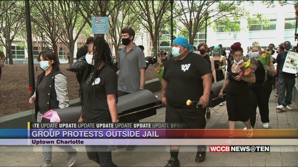 Local Advocates Demand Inmate Reduction