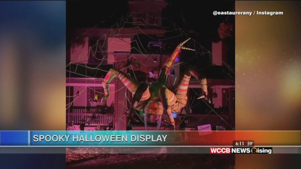 Viral Videos: Spooky Halloween Display & Dad Makes Mad Dash After Forgetting Baby