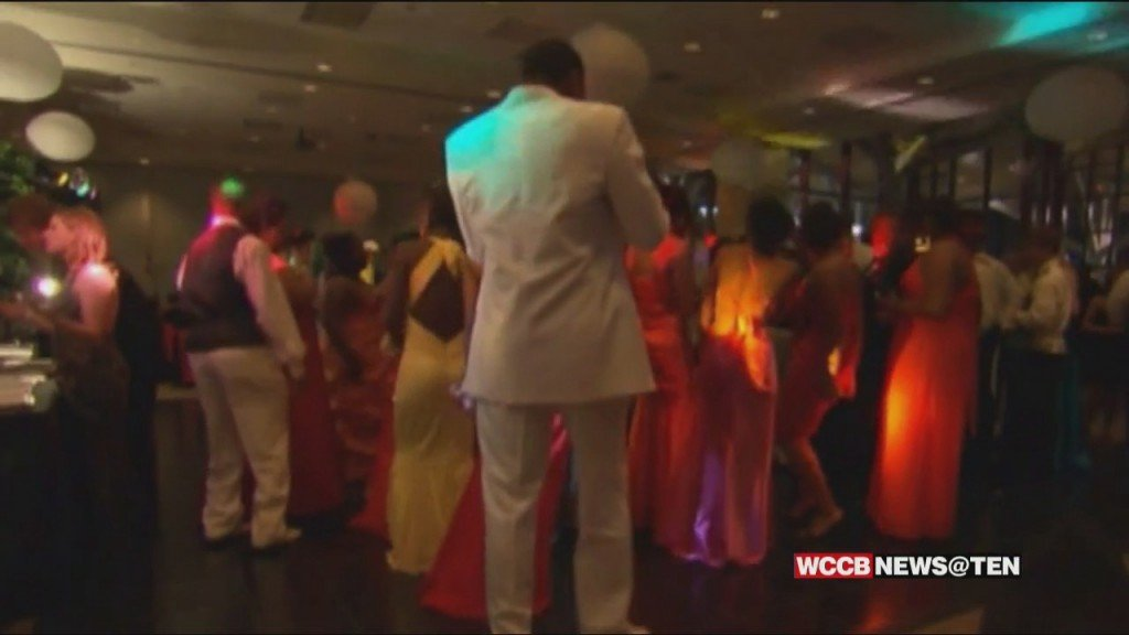 "After Cms Cancels All Proms, Local Organizations Create ""meck Gala Prom"""