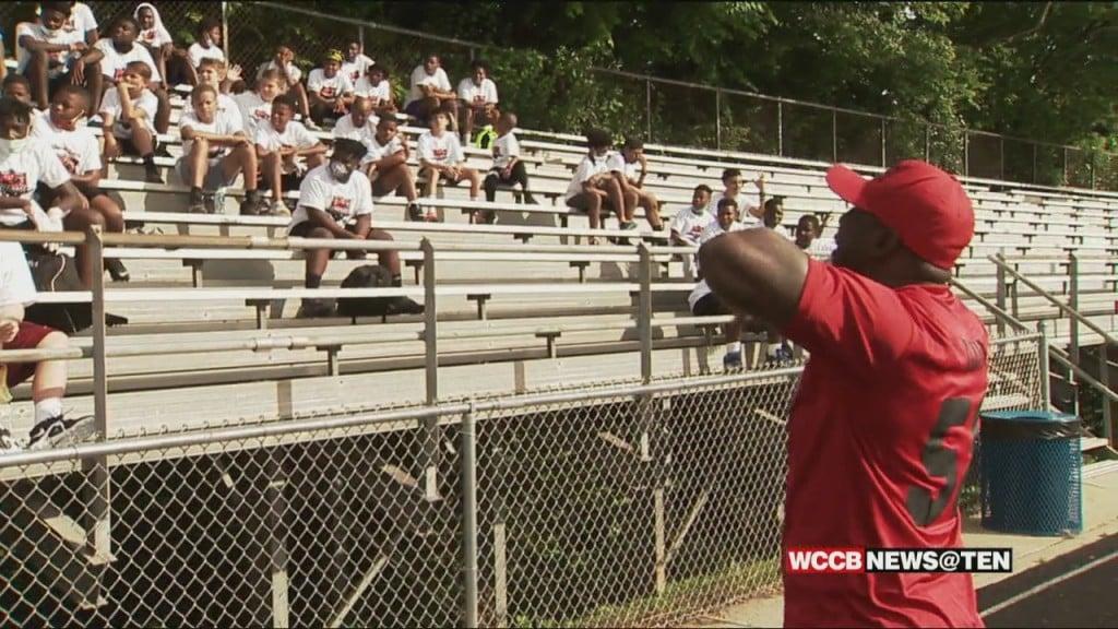 Thomas Davis Holds Annual Youth Football Camp