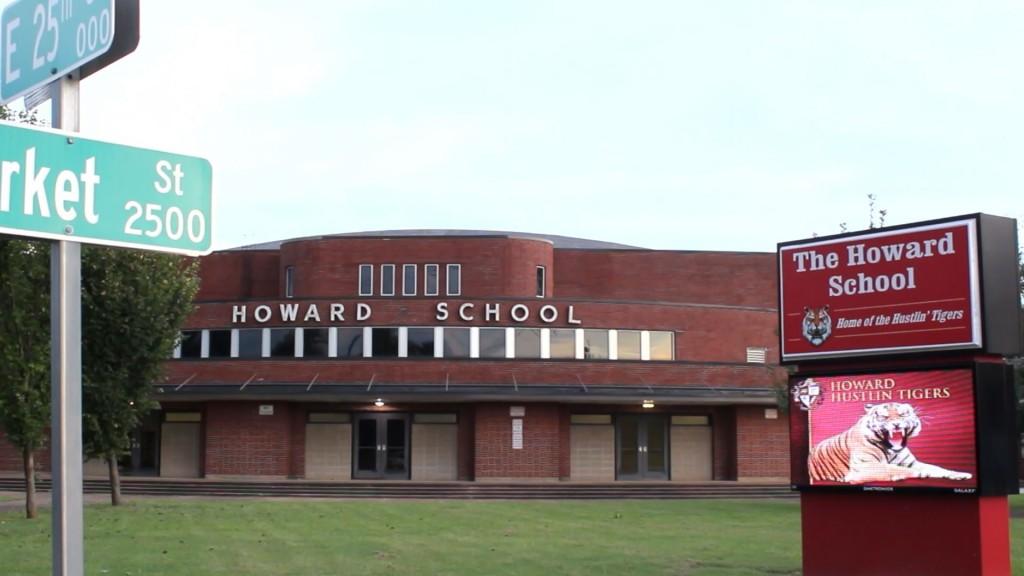 New Howard Sign00000015