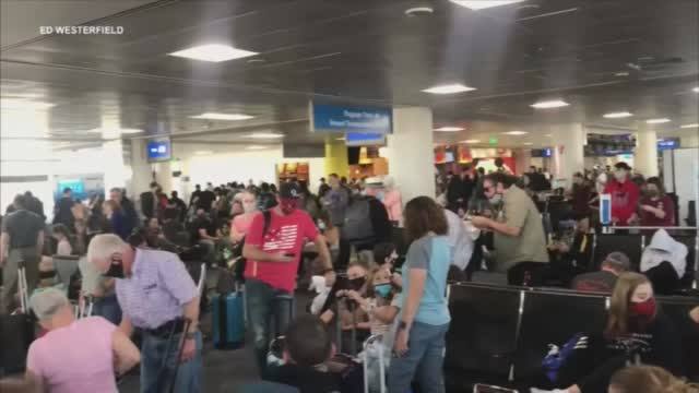 Experts Outline Safety Precautions For Thanksgiving Travel