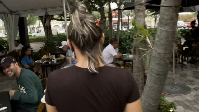 Restaurants Struggling To Hire Workers