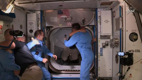 200531135834 05 Spacex Crew Dragon Arrival 0531 Screengrab Live Video