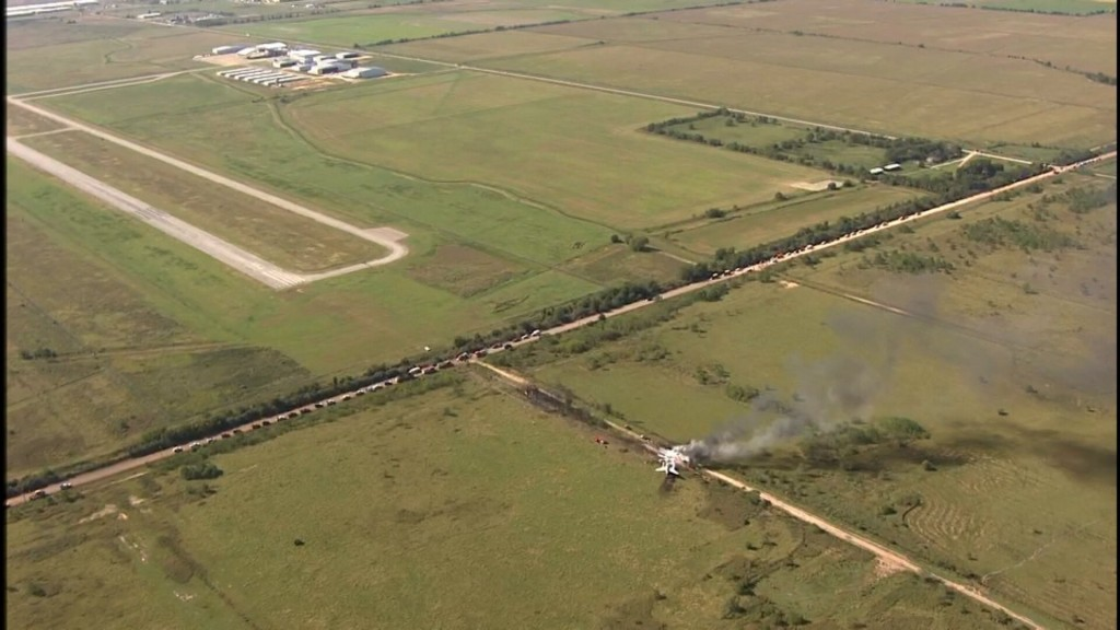 1 Injury Reported After Plane Crash In Waller County, Texas