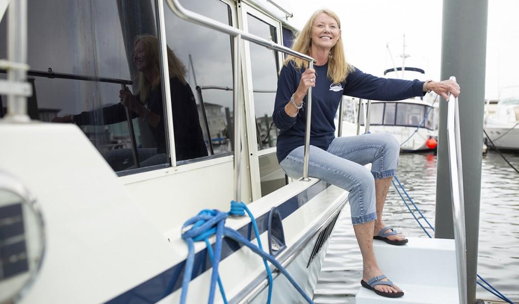 Boat Women 19