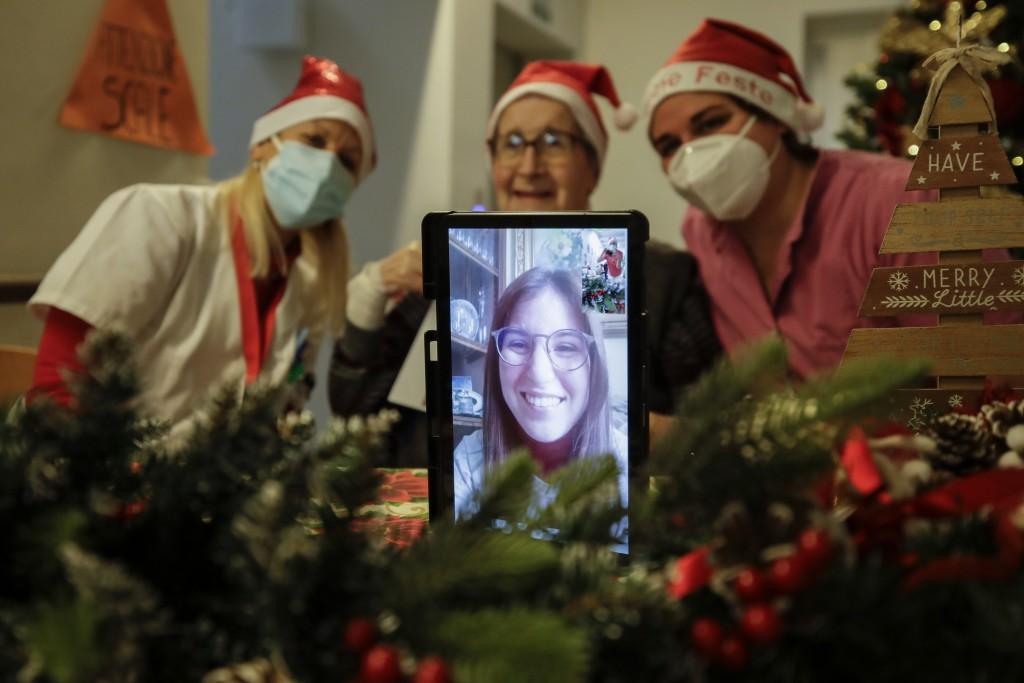 Coronavirus Italia Nietos Santa