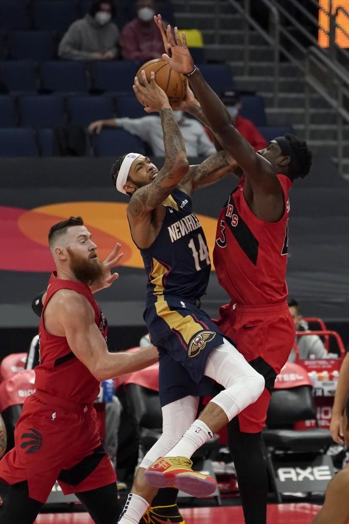 Pelicans Raptors
