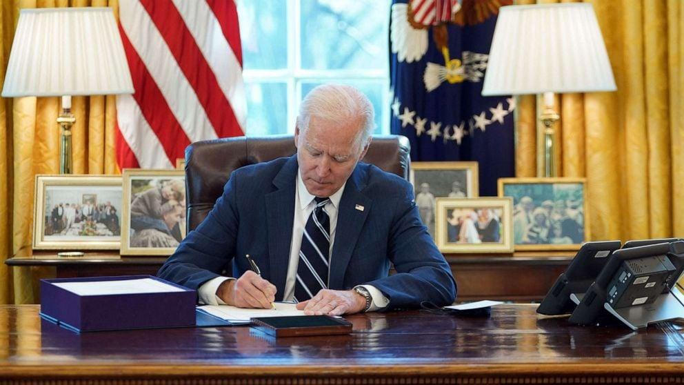 Biden Signs Covid Relief 1 01 Gty Iwb 210311 1615490258642 Hpmain 16x9 992