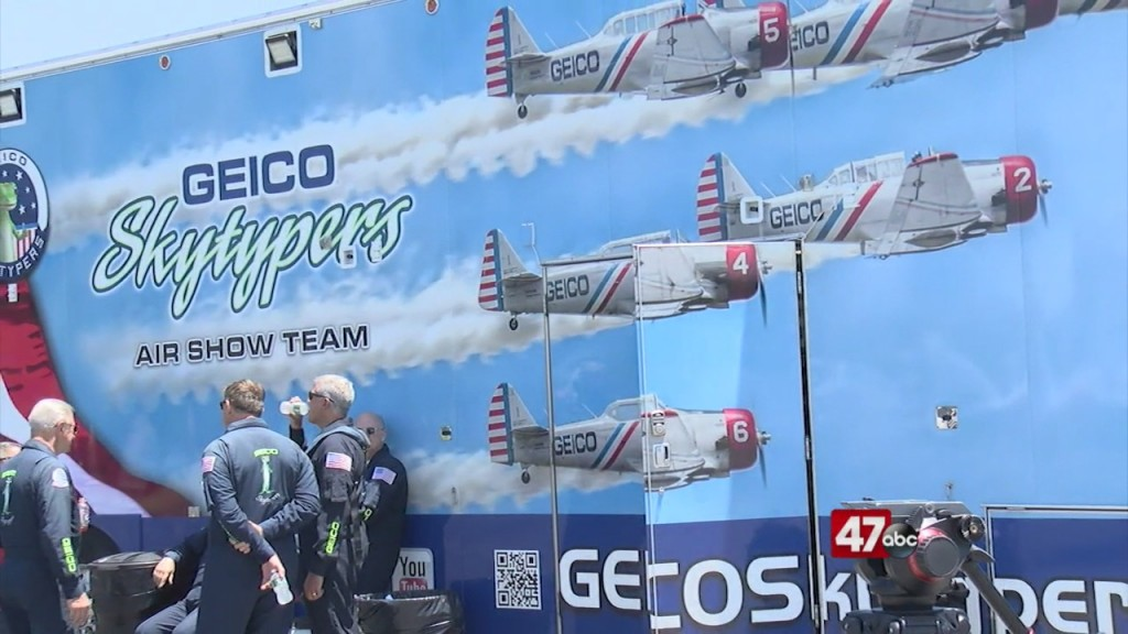 Geico Skytypers Gear Up For The Annual Oc Air Show