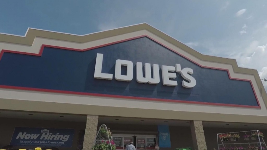 """Lowes Launches """"100 Hometowns"""" Project"""