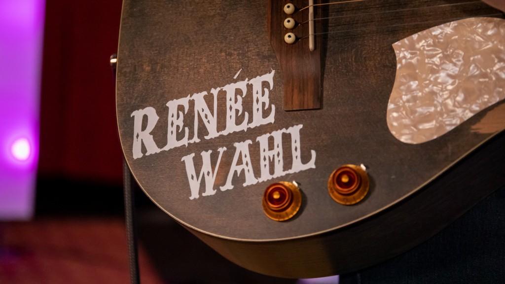 Renee Wahl 30