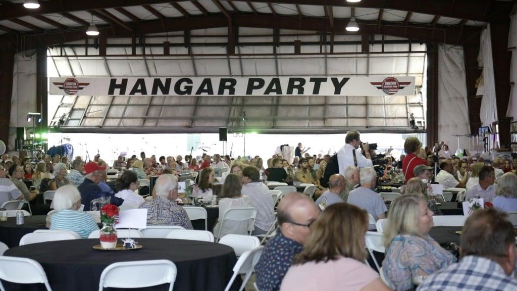 Hangar Pic
