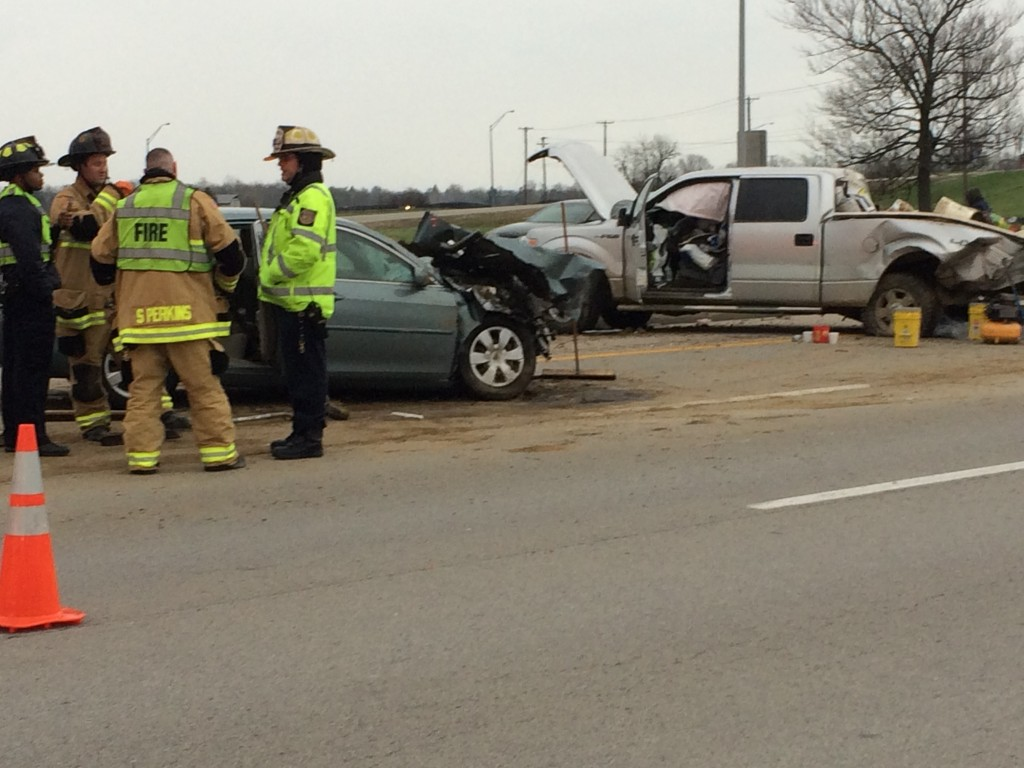 Chain reaction crash involving three vehicles on southbound I-75 in Fayette County 3-31-17