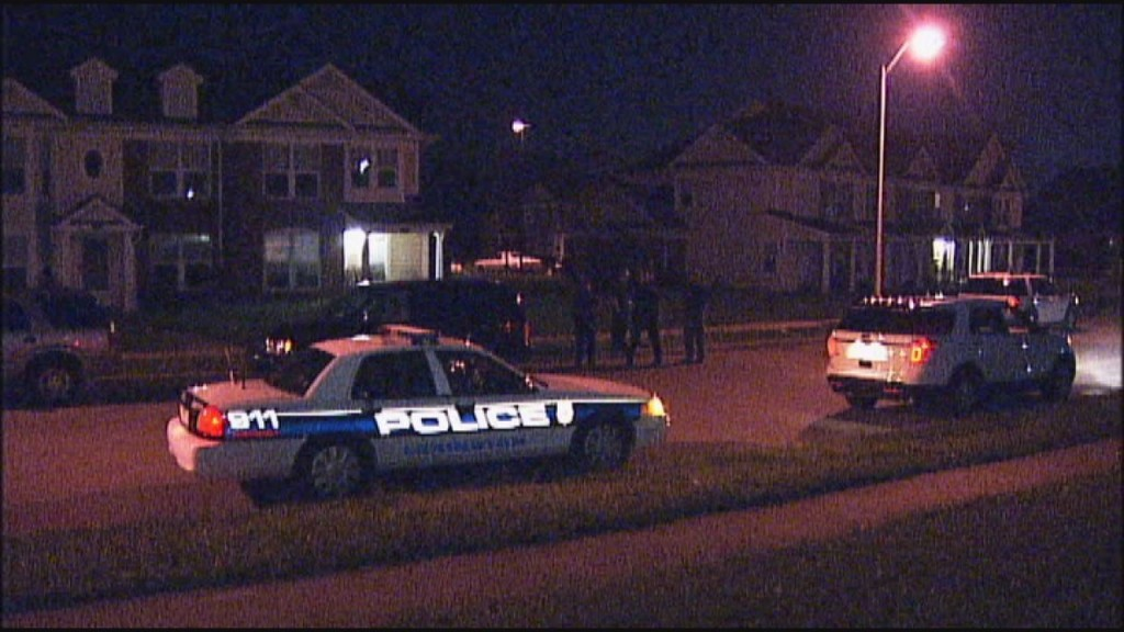 Teenager wounded in reported drive-by shooting on Sixth Street and Shropshire Avenue in Lexington 4-4-17