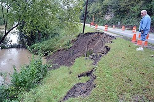 Mudslide near U.S. 25W in Williamsburg.