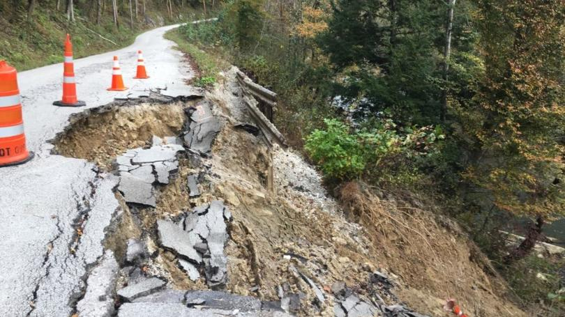 Section of KY 613 in Powell County slides away 10-25-18