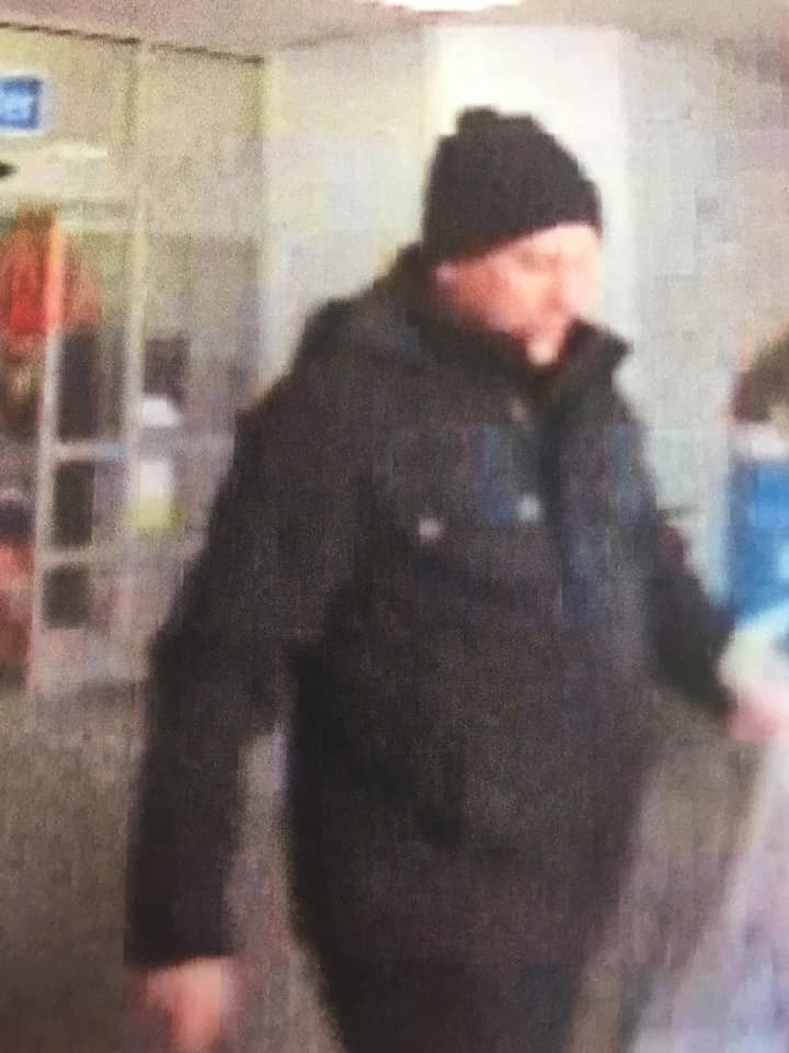 Nicholasville police release surveillance photos of suspects who used skimmers at BP stations.
