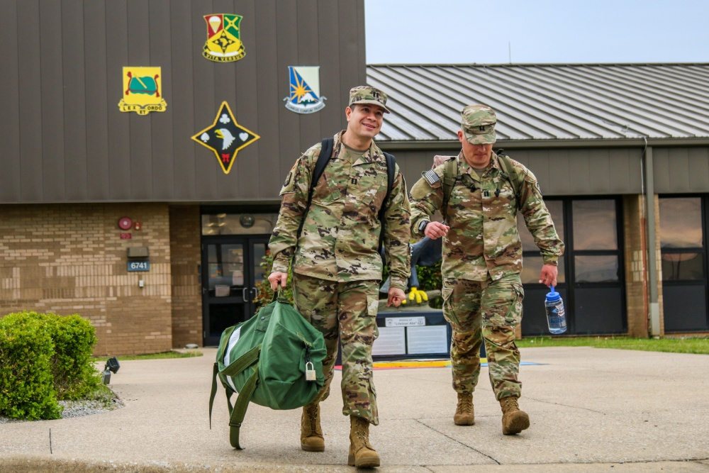 101st Airborne Division Soldiers from Fort Campbell deploy for New Jersey to help in the COVID-19 pandemic fight 4-14-20