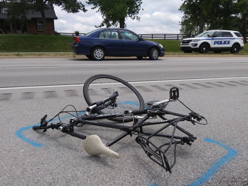 Bicyclist dies in collision with car on U.S. 60 in Woodford County on 6-14-20.  Scene photo courtesy of John McGary of The Woodford Sun