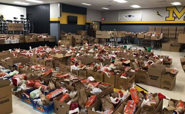 Middlesboro Independent Schools hold holiday food bank giveaway for students in Dec. 2020
