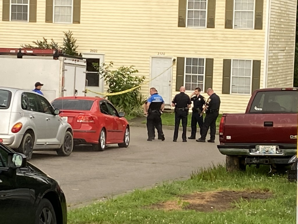 Two people found shot inside apartment in the 2500 block of Lindenhurst Loop in Lexington on 7-15-21