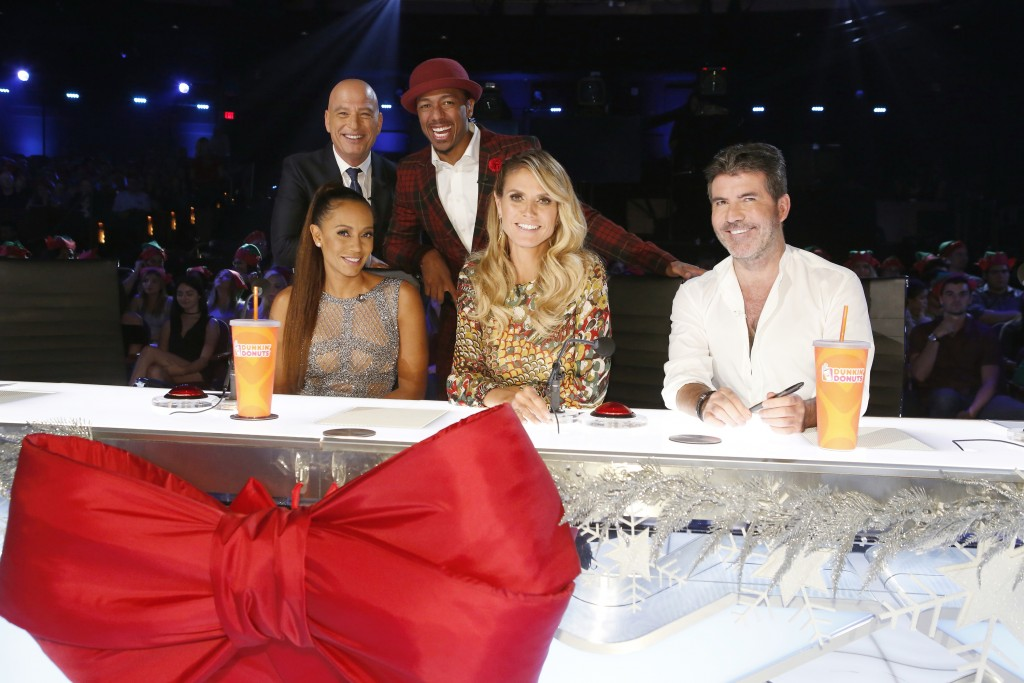 """AMERICA'S GOT TALENT -- """"America's Got Talent Christmas Special"""" -- Pictured: (l-r) Howie Mandel"""