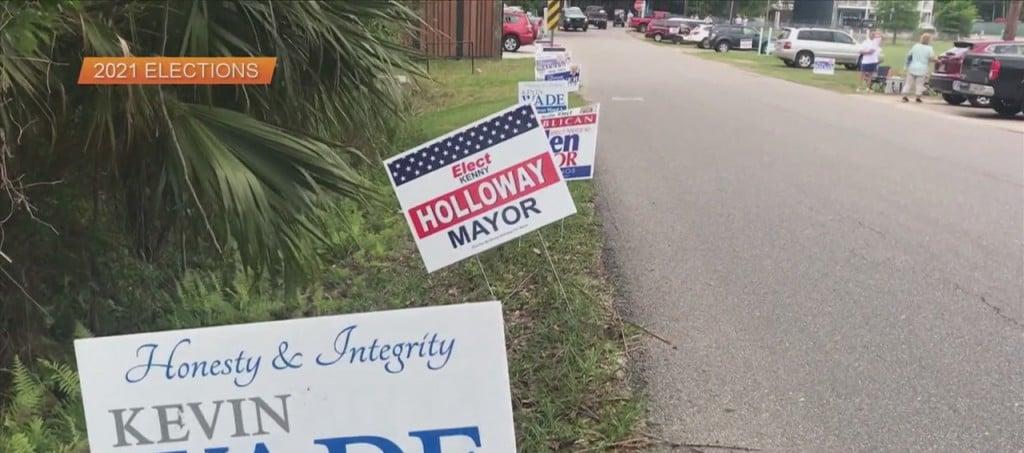 Swearing In Of Ocean Springs Mayor And Aldermen