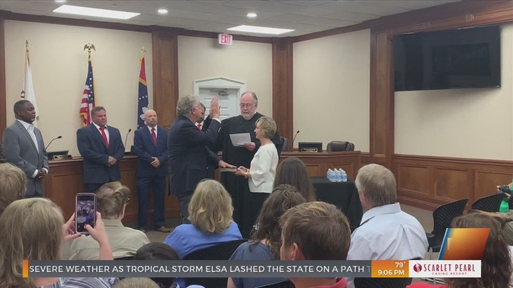 Pascagoula Mayor And Council Swearing In Ceremony