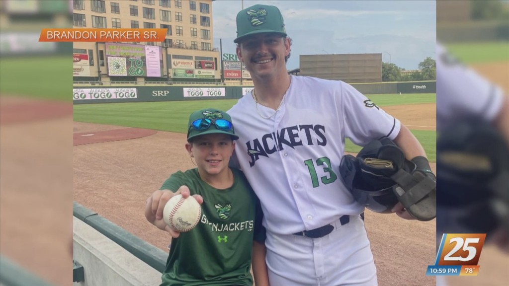 West Harrison/ Mgccc Alum Brandon Parker's Younger Brother Catches Home Run