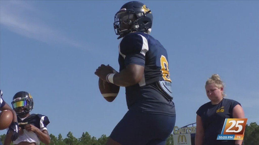 Student Athlete Of The Week: Gautier Quarterback Kaden Irving