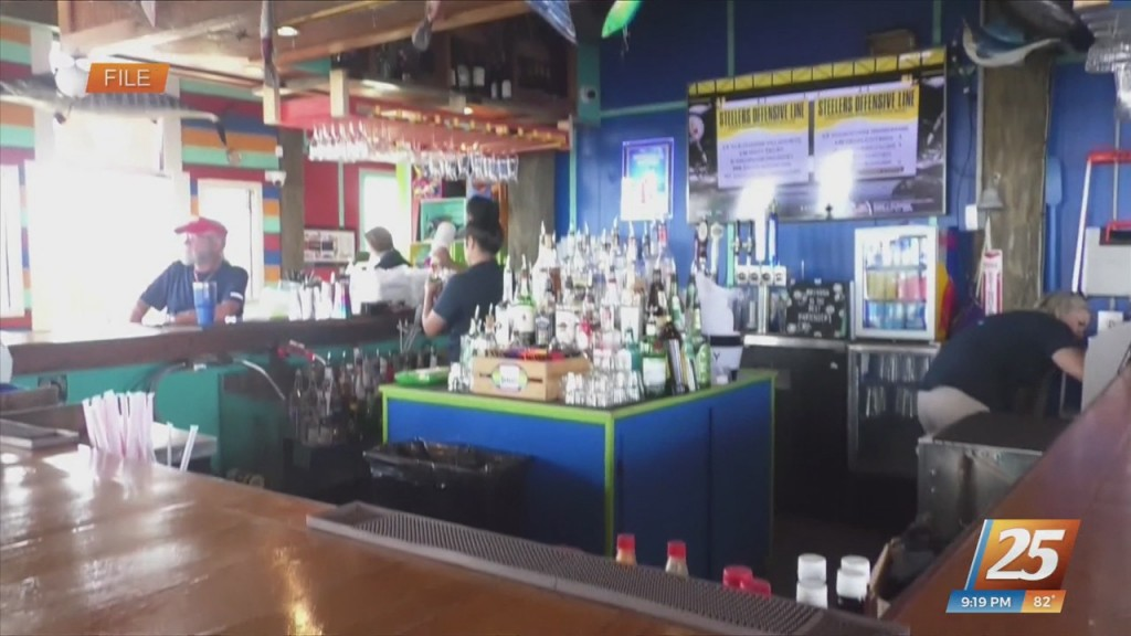 Louisiana Evacuees Get Free Burger And Beer At Shaggy's