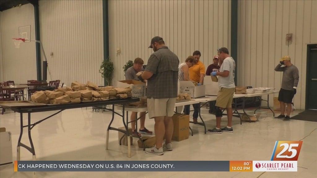 Locals Cook Lunch For Memorial Nurses To Show Appreciation