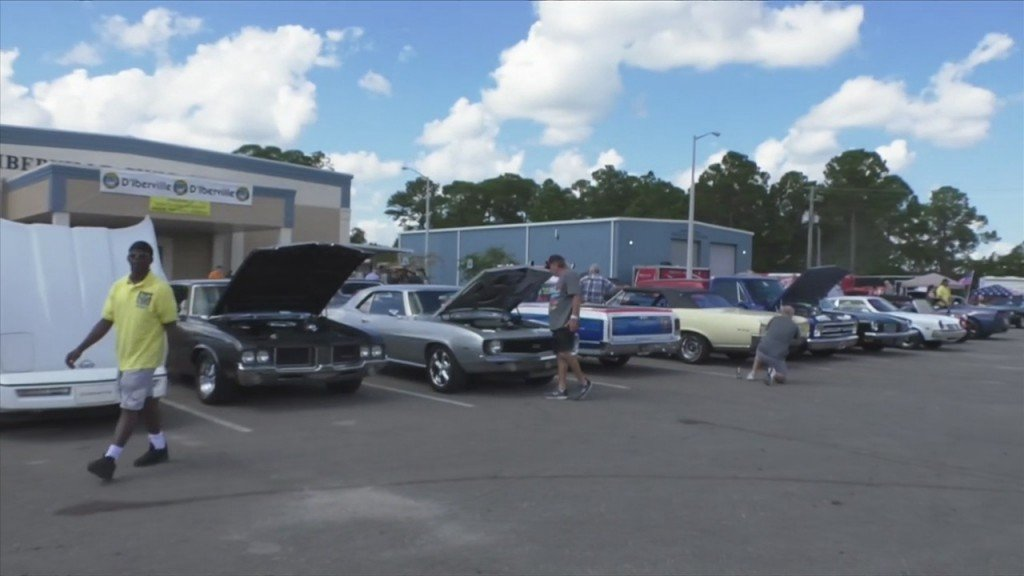 Cruisers Roar Into Automall Parkway In D'iberville