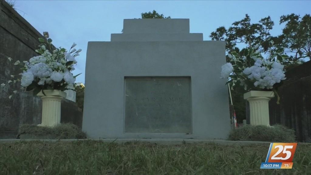 Sneak Peek Into The Old Biloxi Cemetery Tour