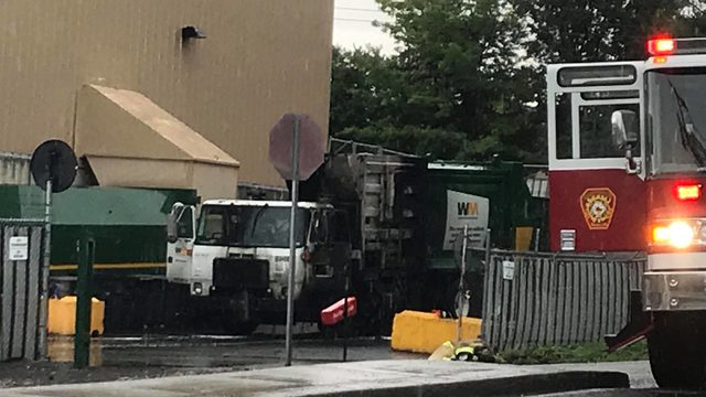 Dumpster truck fire in Kennewick causes road closure