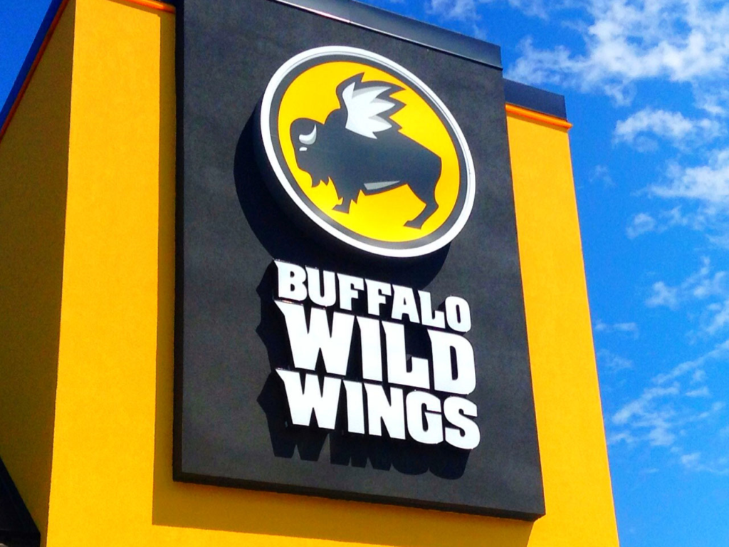 Buffalo Wild Wings hosts Community Day celebration to raise funds for Boys & Girls Club