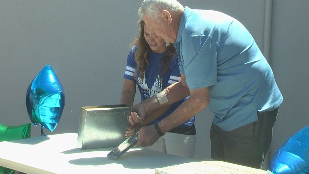 Decades-old time capsule discovered at Richland elementary school