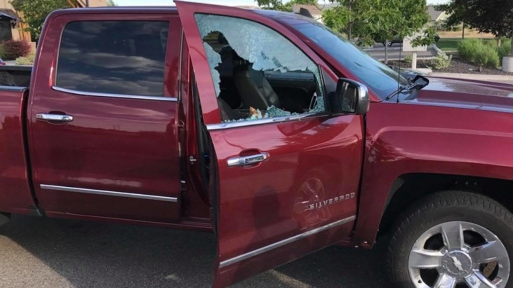 Kennewick police rescue baby from hot truck
