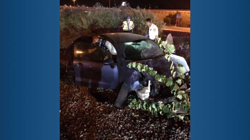 Drunk driver hospitalized after crashing in Kennewick