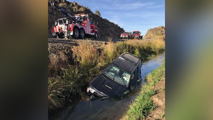 25-year-old man dead after crashing into canal in eastern Oregon