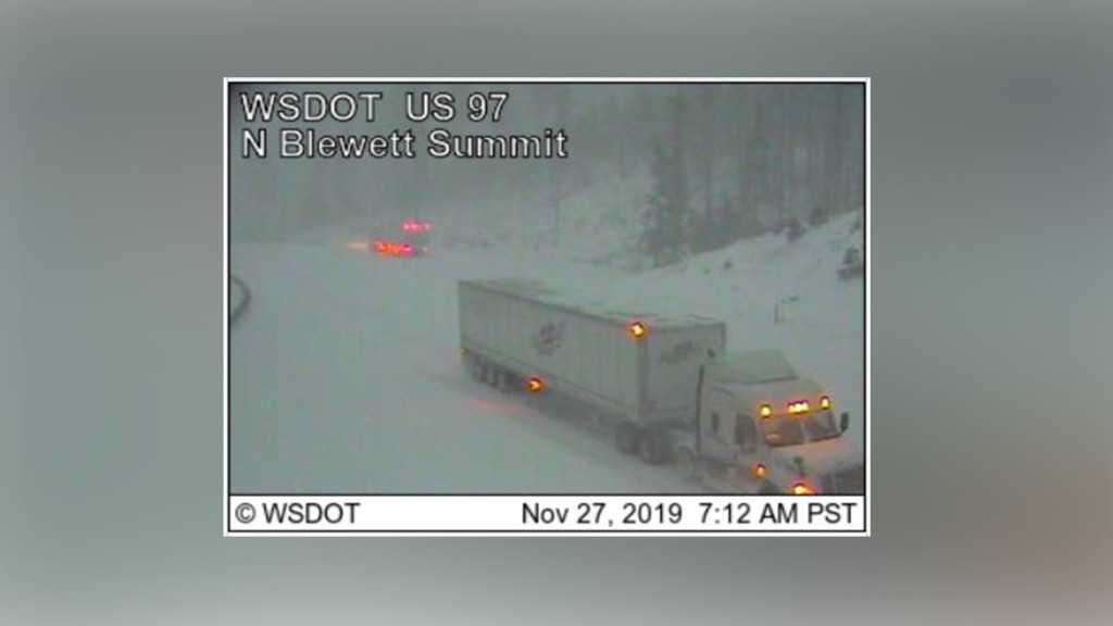 Blewett Pass closed for heavy snow