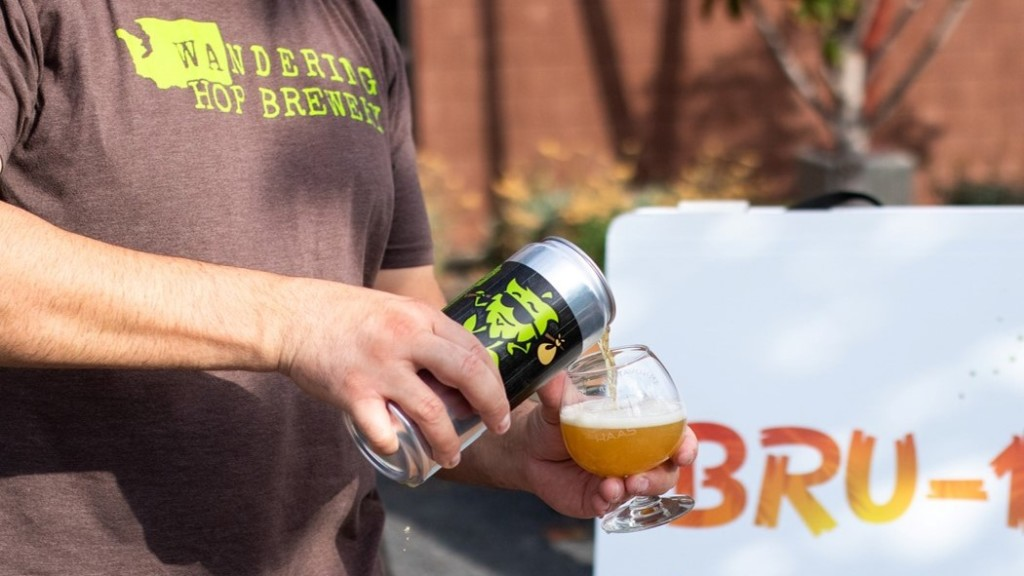 "New ""Bru"": Buy a beer, get a pineapple"