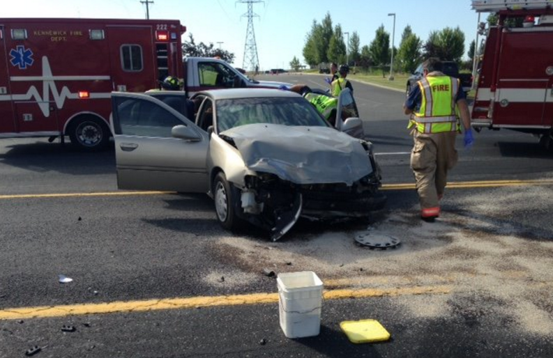 Multiple injuries in 2 vehicle collision on Clearwater