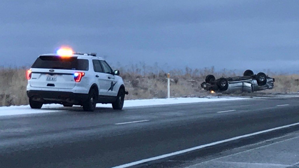 Pickup truck spins out, crashes along I-82 in Kennewick