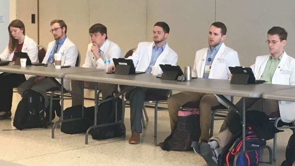 WSU med students spend week studying in Tri-Cities