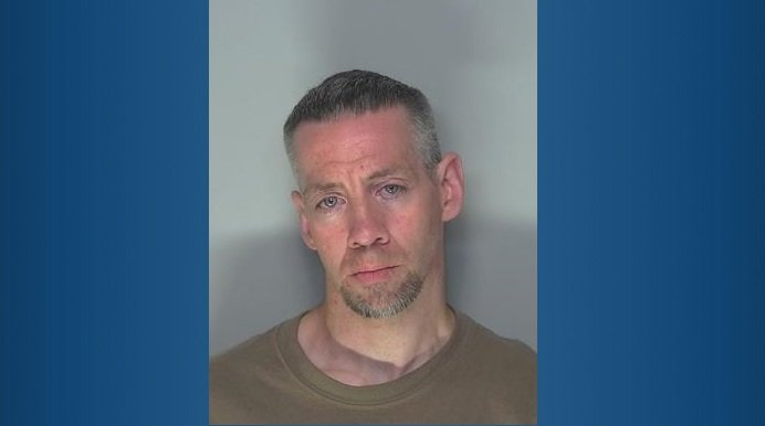 Ellensburg man wanted on numerous felony charges