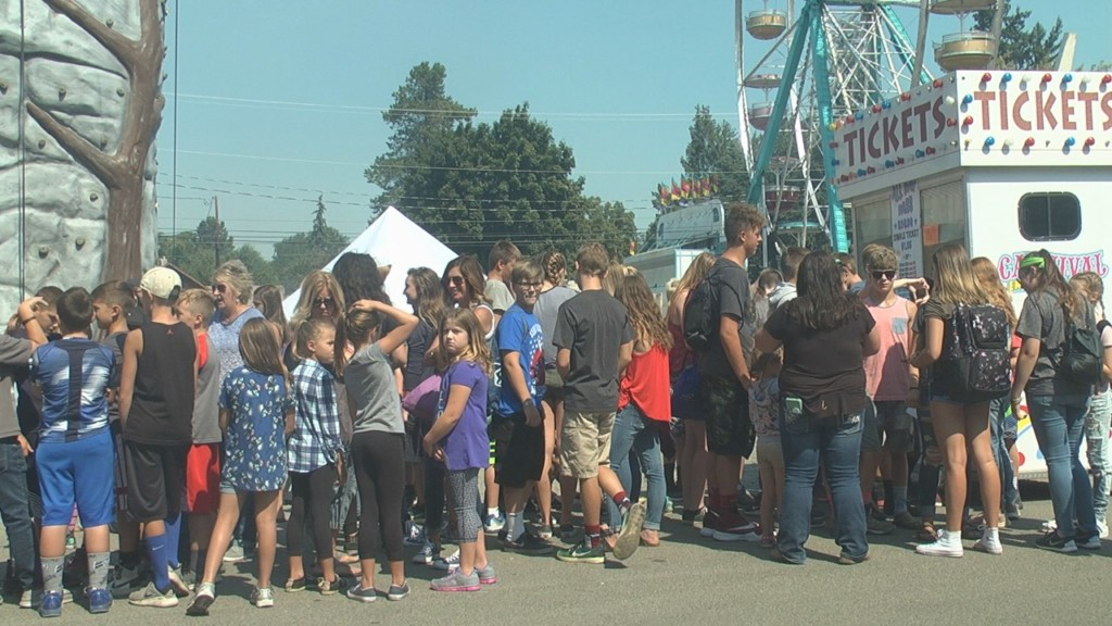 Opening day of Kittitas County State Fair draws crowds
