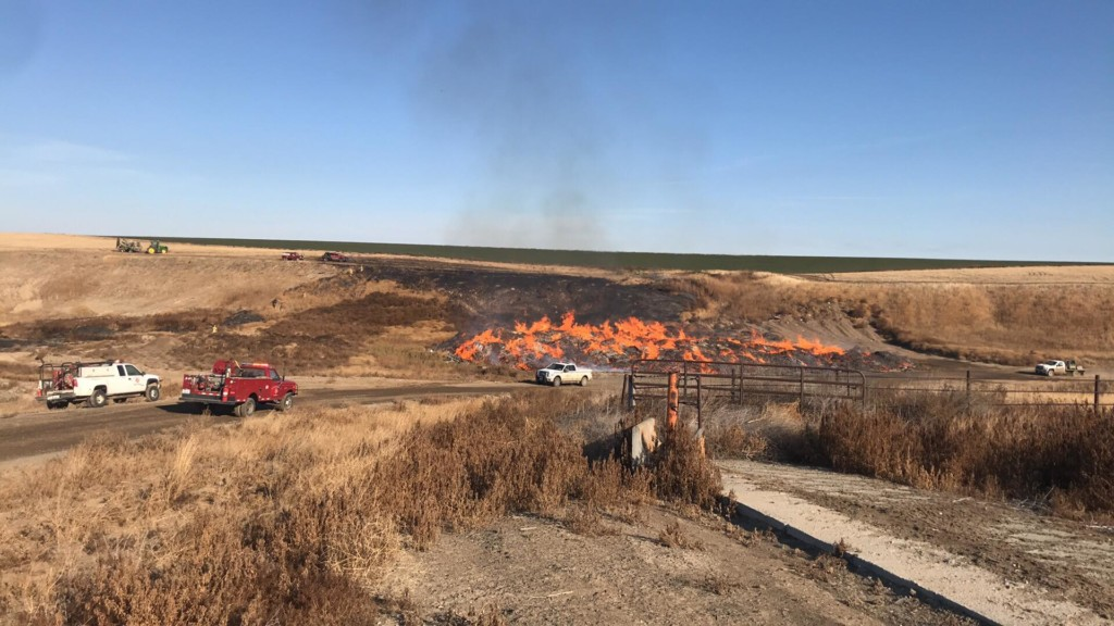 Benton County firefighters respond to fire at farm in Horse Heaven area